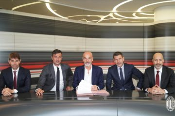 Football : Stefano Pioli nouvel entraîneur de l'AC Milan.
