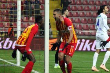 Kayserispor bat Çaykur Rizespor 1-0 et quitte la dernière place du classement