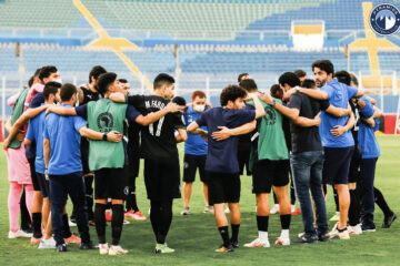 Football, CAF Confederation Cup : Pyramids cartonne, Coton Sport dans les arrêts de jeu, Orlando Pirates et le Raja dos-à-dos